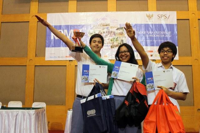 SMAN 70 Jakarta, Juara I Debat KOMBI Wilayah DKI Jakarta.